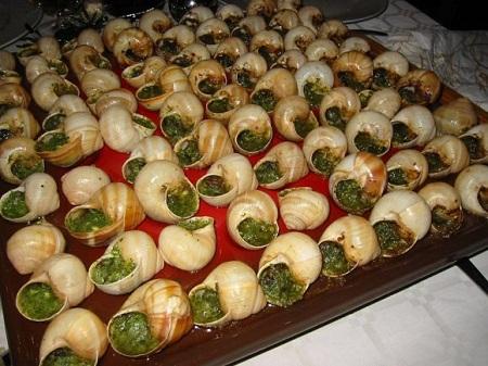 Во многих ресторанах улитки - обязательное блюдо