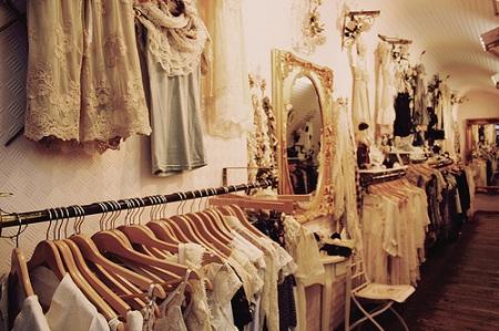 Многие мечтают о магазине по продаже ретро вещей