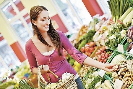 Горожане покупают зелень и летом,  и зимой