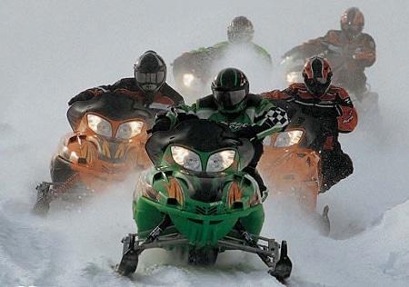 Соревнования на снегоходах - популярное зимнее развлечение