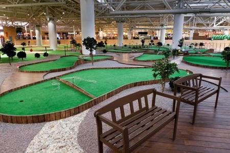 Закрытый мини-гольф