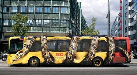 Даже автобусы попали под модную волну аэрографии
