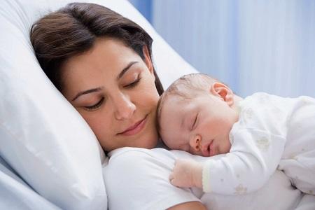 Счастливая и красивая мама