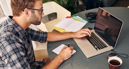 Предлагать свои услуги лучше всего в Интернете