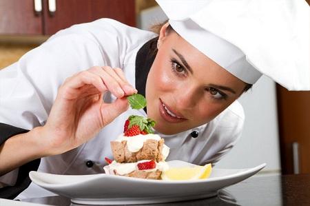 В процессе создания кулинарного шедевра...