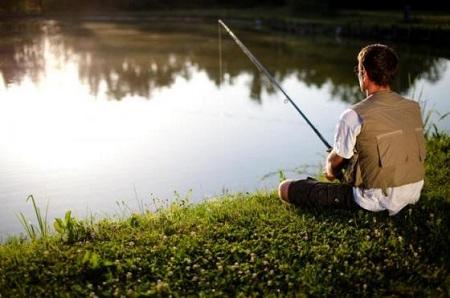 Удочка и черви - джентльменский набор рыболова