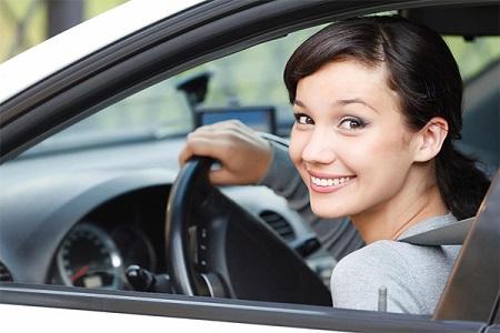 Существуют специальные женские автошколы