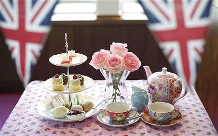 Английская чайная церемония не менее интересна и красива