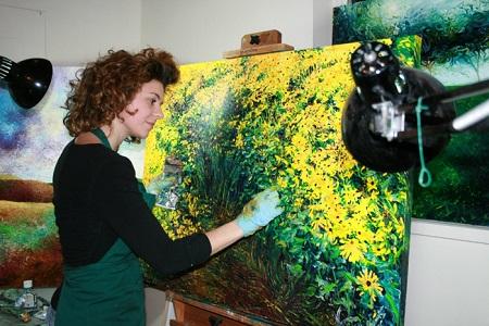 Художники нередко сидят без заказов и согласны на любые условия