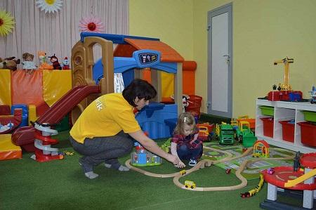 Следить за безопасностью детей - нелегкая работа