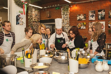 Весьма популярны кулинарные мастер-классы