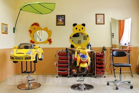 Мебель для детской парикмахерской отличается от взрослой