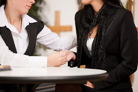 Ритуальный агент - это хороший психолог и продавец услуг