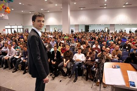 А вы не боитесь выступать перед большой аудиторией?